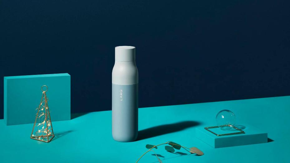 Bottles with UV sterilization larq