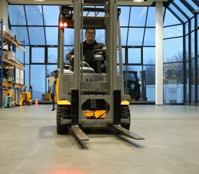 Test: Jungheinrich EFG 216k - Benchmark tightened - Logistics ...