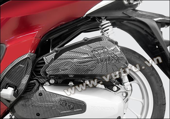 ỐP PÔ/ CHE PÔ SH MODE 2020 Diamond sơn carbon gắn trên xế cưng kết hợp với ốp lốc máy trước và ốp gác chân cùng màu