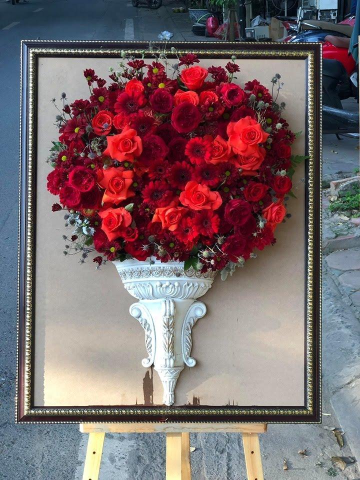 Kệ hoa hồng kết hợp với hoa đồng tiền