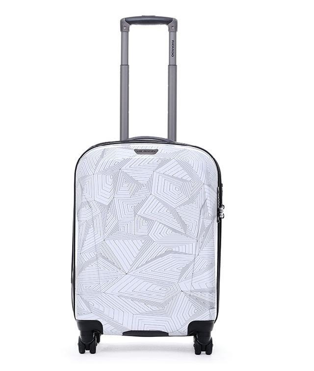 Thiết kế trẻ trung của vali Ricardo.