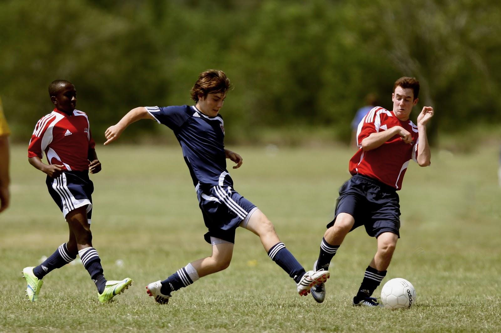 A atlética é uma ótima forma de se manter saudável enquanto interage com os colegas (Fonte: KeithJJ/Pixabay)
