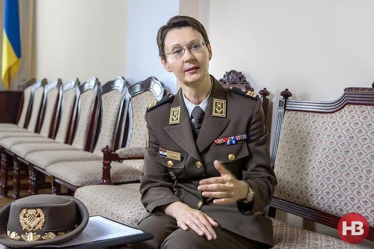 Десять лет назад в Хорватии невозможно было и подумать, что женщина может стать генералом! Но вот, я – перед вами. Так почему же тут не может сидеть украинка в аналогичном звании? Фото: Александр Медведев