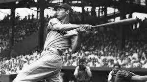 Imagen que contiene exterior, persona, béisbol, hombre  Descripción generada automáticamente