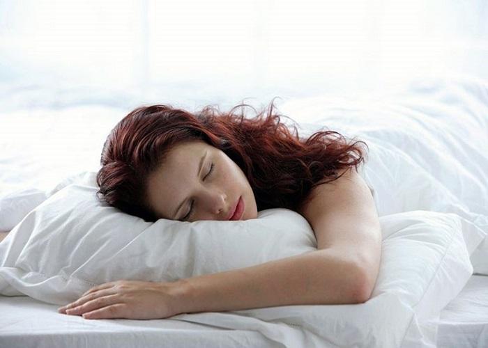 Ngủ sấp có ảnh hưởng đến sức khỏe phụ nữ mang thai không?