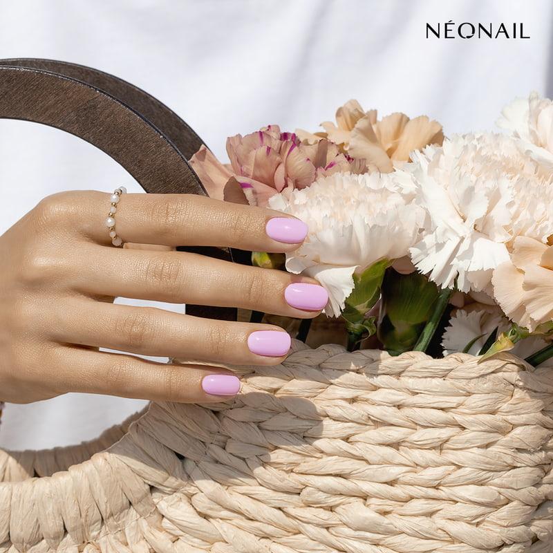 Różowe pastelowe paznokcie hybrydowe