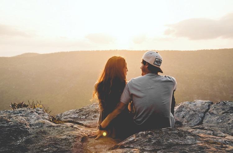 Người yêu hiện tại còn vương vấn tình cũ