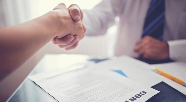 Bạn nên đọc kỹ các điều khoản trong hợp đồng mua bán máy phun sương