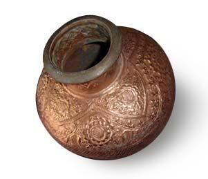 http://www.asianartcreations.com/handicrafts-india/copper-utensils-kalash.jpg