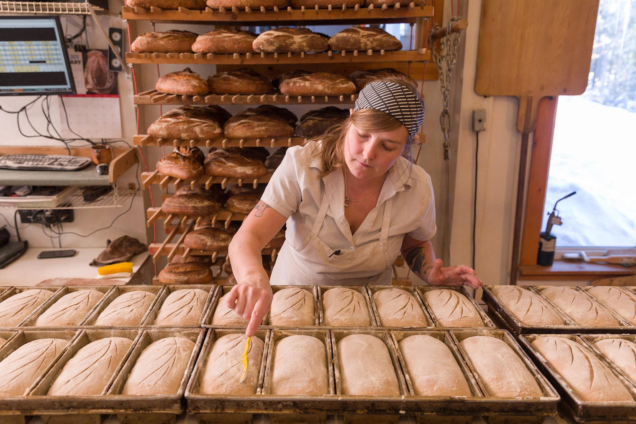 Nước Anh sẽ thêm axit folic vào bột mì phòng dị tật cột sống bẩm sinh