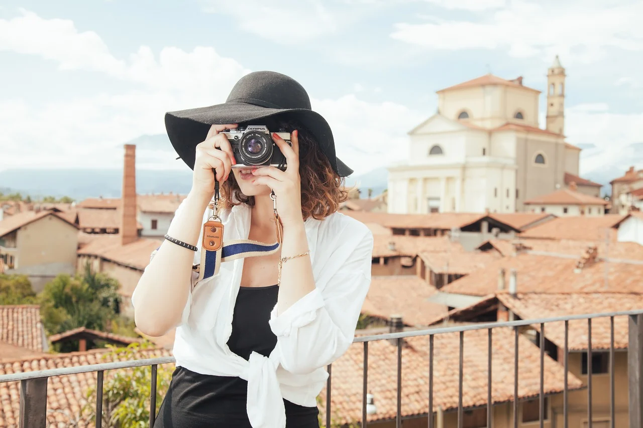 How Photographers Can Monetize Their Unique Skills Through Social Media? by Miley Dowing