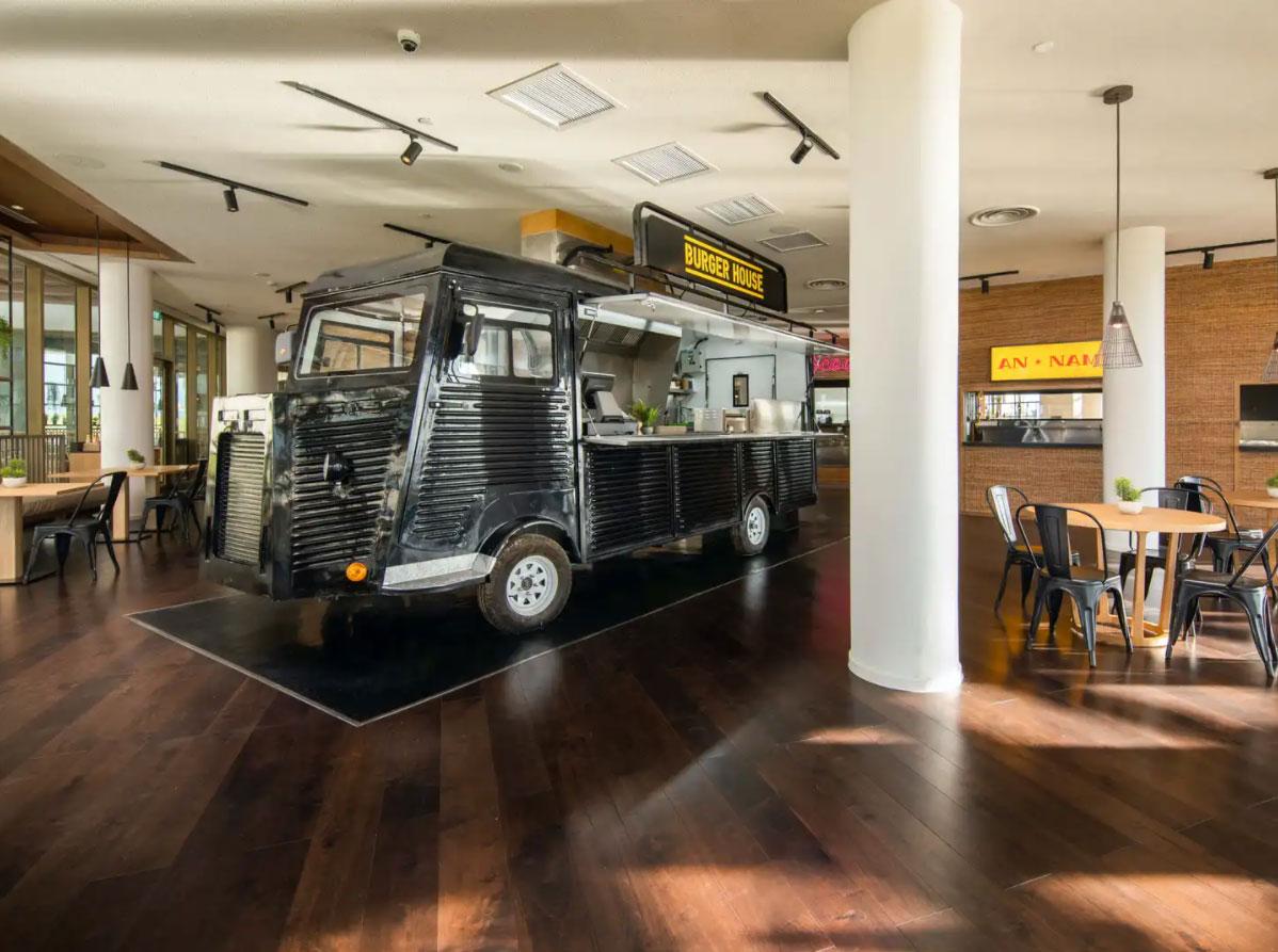 Khu ẩm thực thế giới tại ALMA - Công Ty Vịnh Thiên Đường