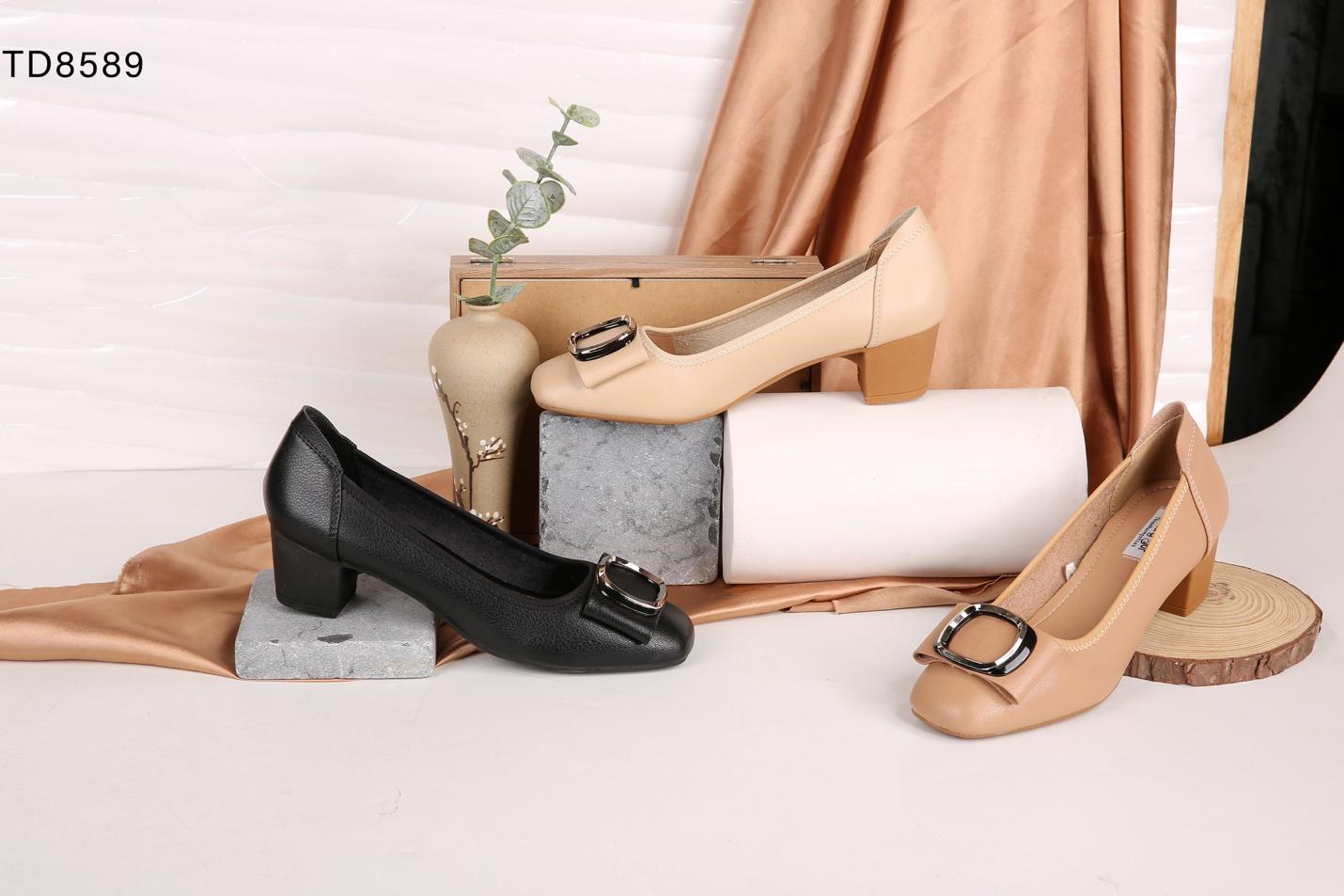 Một số mẫu giày dép nổi bật tại Thiên Hương