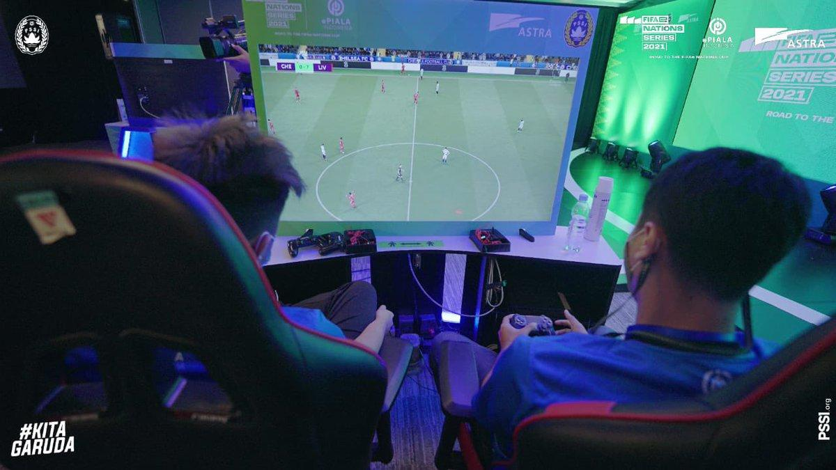 The new generation of Indonesian gamers enjoying EA Sports FIFA 21