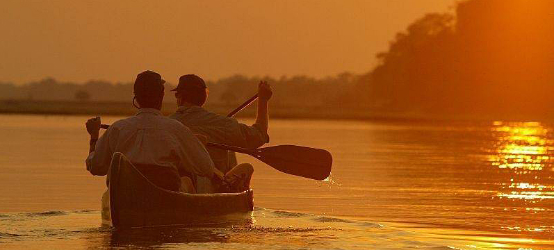 mana-pools-canoe-sunset.JPG