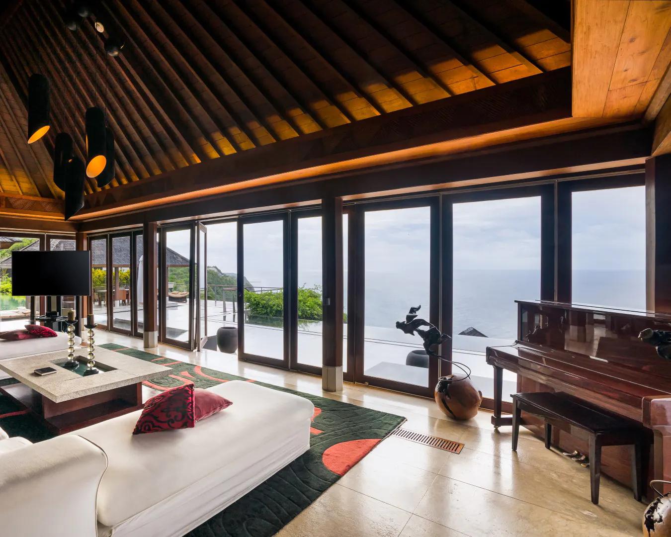 Chiêm ngưỡng thiết kế biệt thự với chất liệu chính là gỗ khá thân thiện và truyền thống