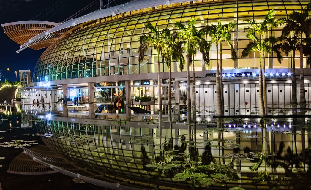 the shoppes at marina bay sands flyspaces