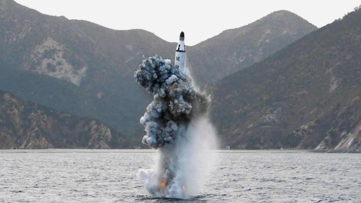 Corea del Sur probó con éxito un misil propio lanzado desde un submarino -  Infobae