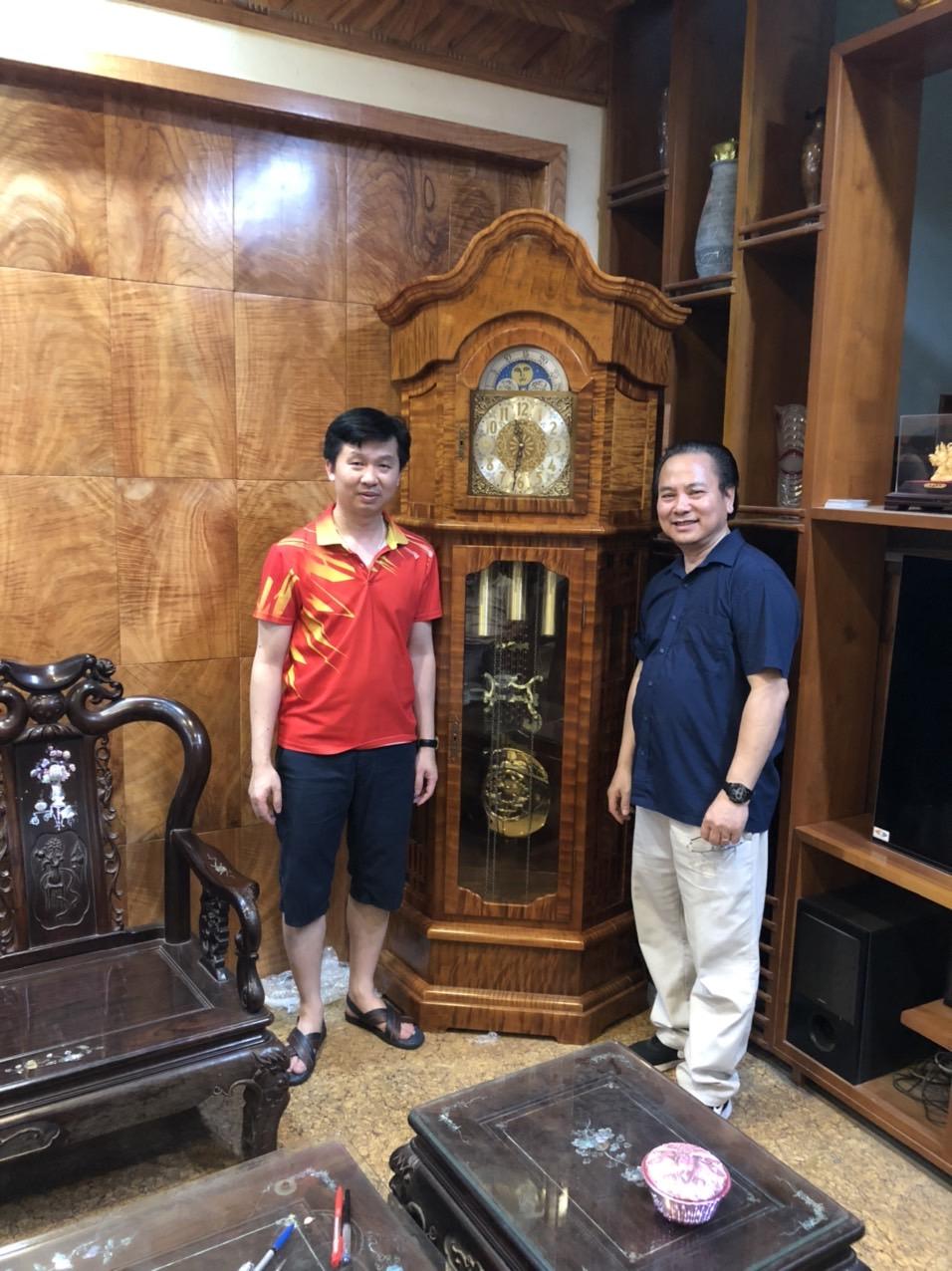 Lắp máy đồng hồ Đức lên vỏ đồng hồ đóng tại Việt Nam