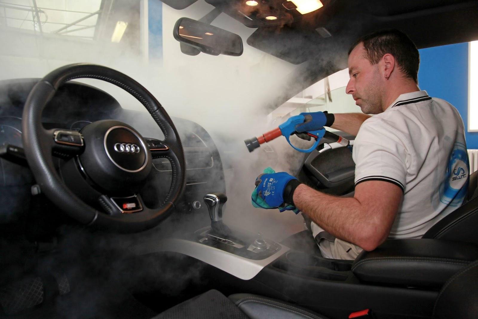 Dịch vụ làm sạch nội thất ô tô chuyên nghiệp