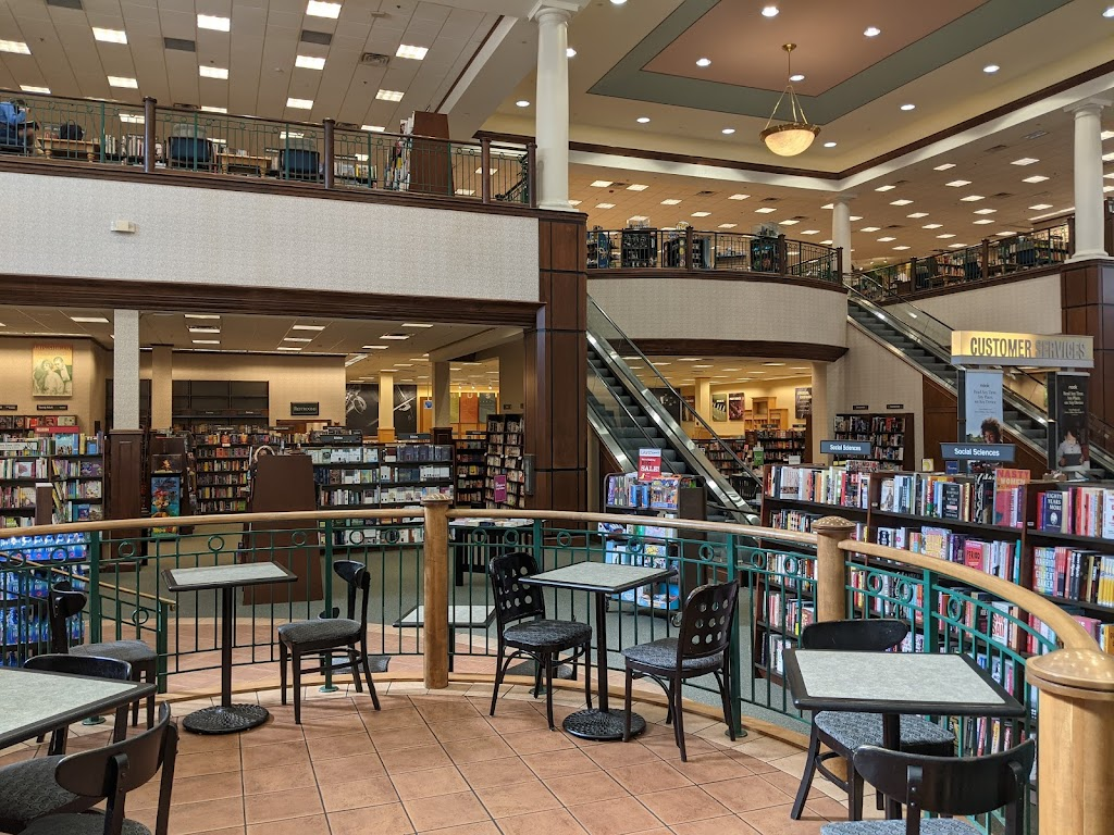 Barnes & Noble - three best places to study off-campus