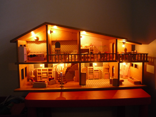 How To Make A Little Dolls House For Your Kids