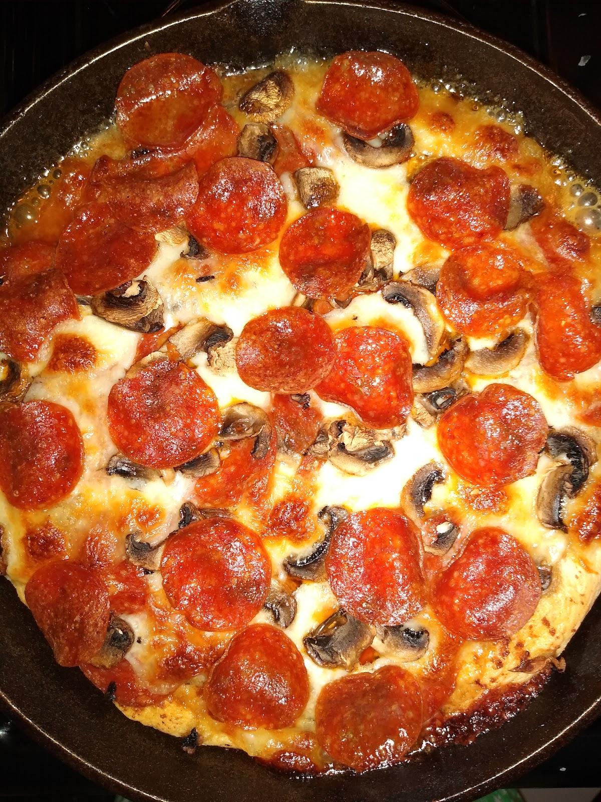 cast iron pizza recipe picture