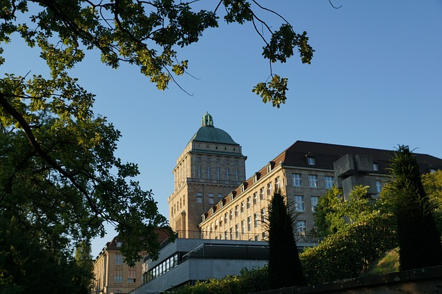 building showing the university of Zurich