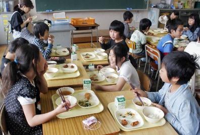 Nỗ lực của thế giới và Việt Nam để chăm sóc dinh dưỡng cho trẻ em thông qua sữa học đường
