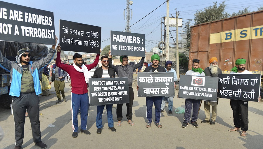 Talks with farmers on, Tomar hopeful of a solution - Telegraph India