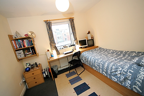 Student accommodation in manchester pads for students blog for Model agency apartments
