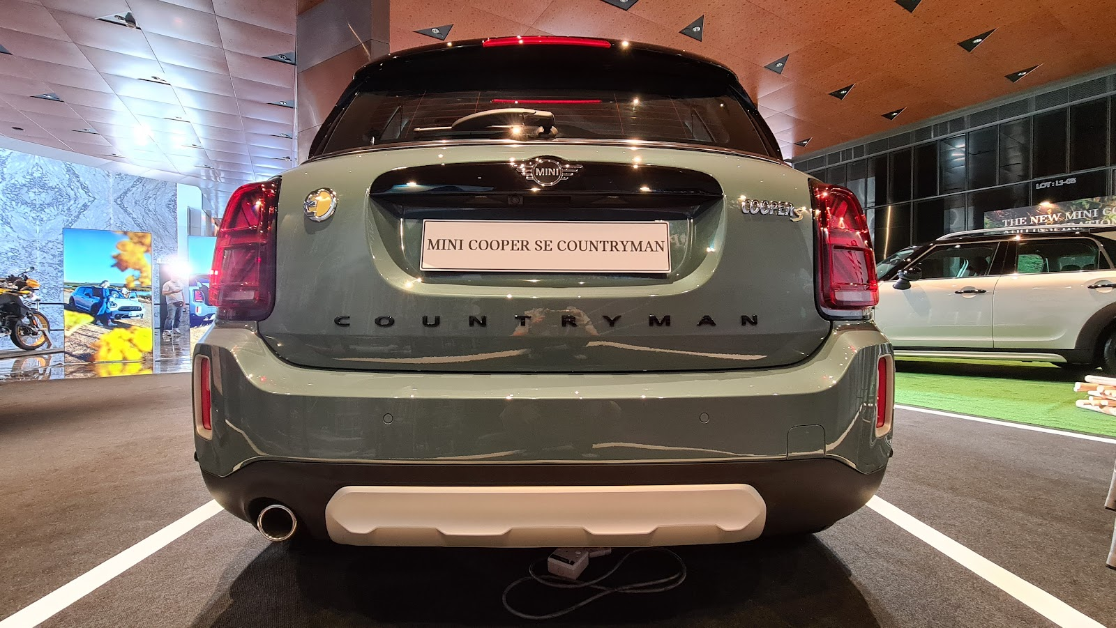 2021 MINI Cooper SE Countryman Rear View