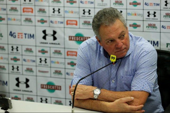 Abel Braga durante a coletiva de imprensa Foto de Lucas Merçon.jpg