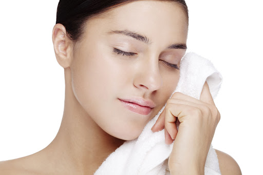Bật mí cách chăm sóc da mặt sau sinh tại nhà cực hiệu quả!