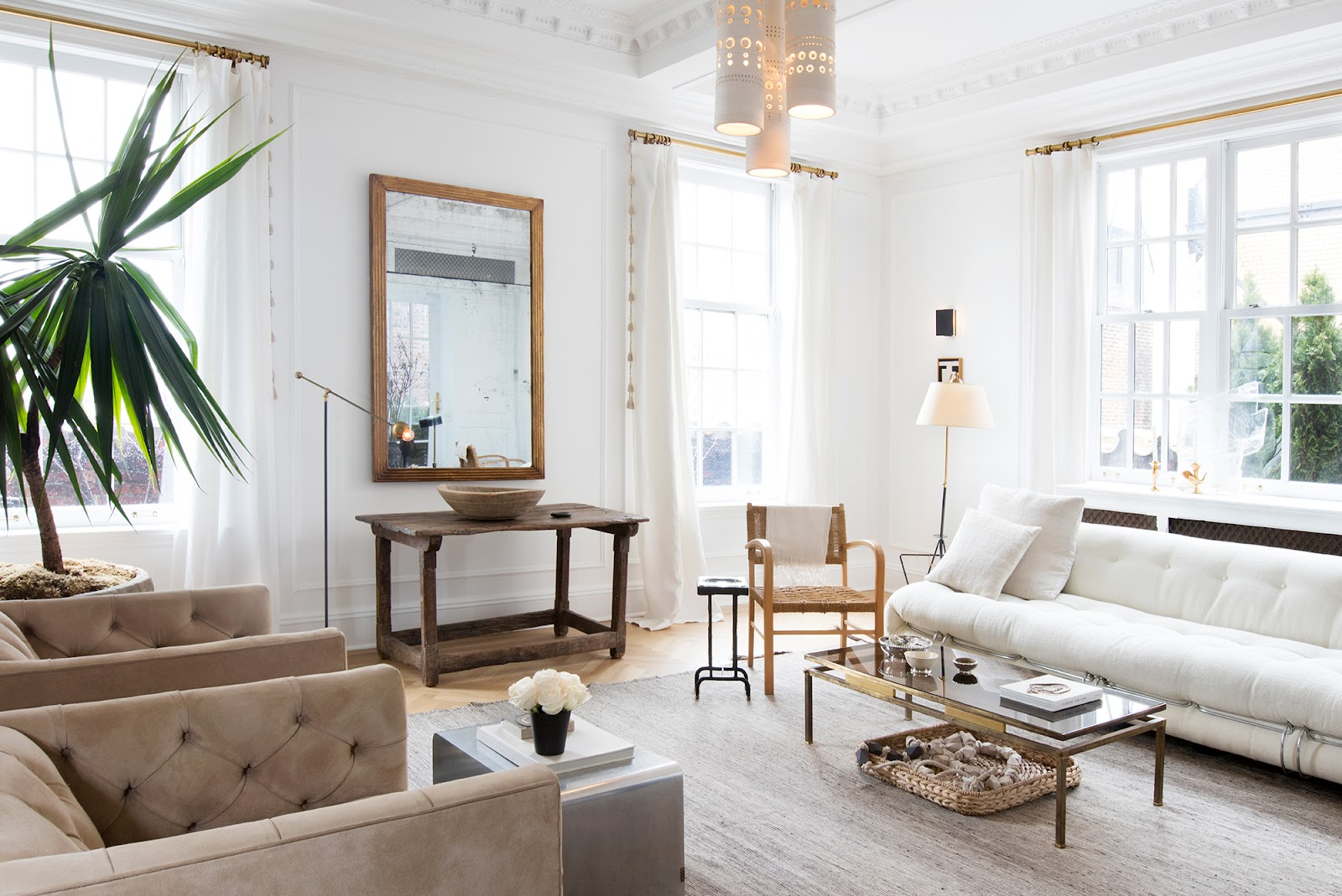 Inspirasi desain interior modern karya Jeremiah Brent - source: eye-swoon.com