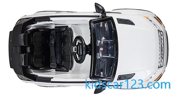 Ôtô có trợ lực tay lái - SX118 màu trắng nhìn từ trên xuống