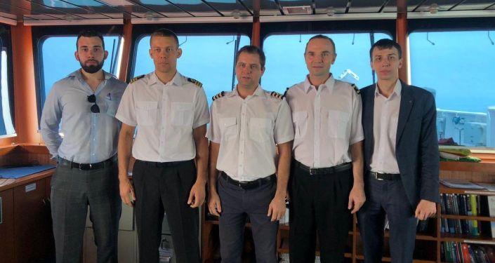 Дипломаты РФ встретились с моряками с танкера Stena Impero