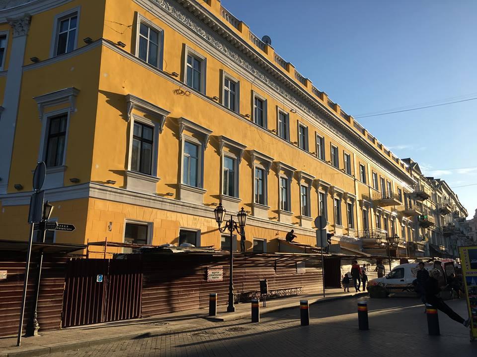 В Одессе завершилась реставрация памятника архитектуры на Приморском бульваре (фото) - 1