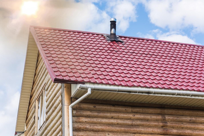 Giải thích tại sao mái tôn phát ra tiếng kêu khi trời nắng?