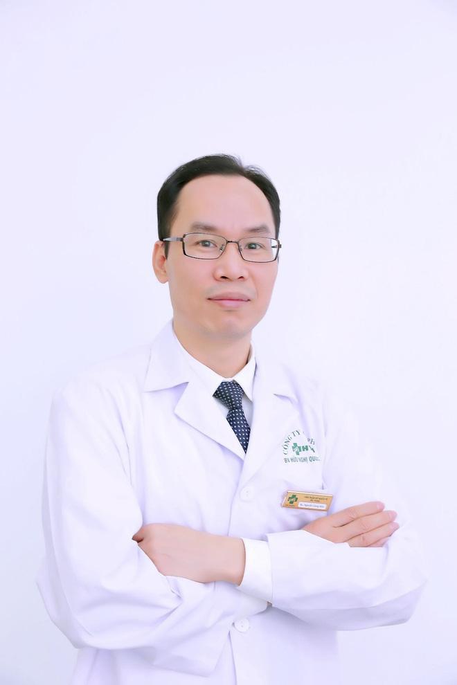 Bác sĩ Nguyễn Công Hân mang tài năng giữ gìn nét thanh xuân cho phái đẹp.