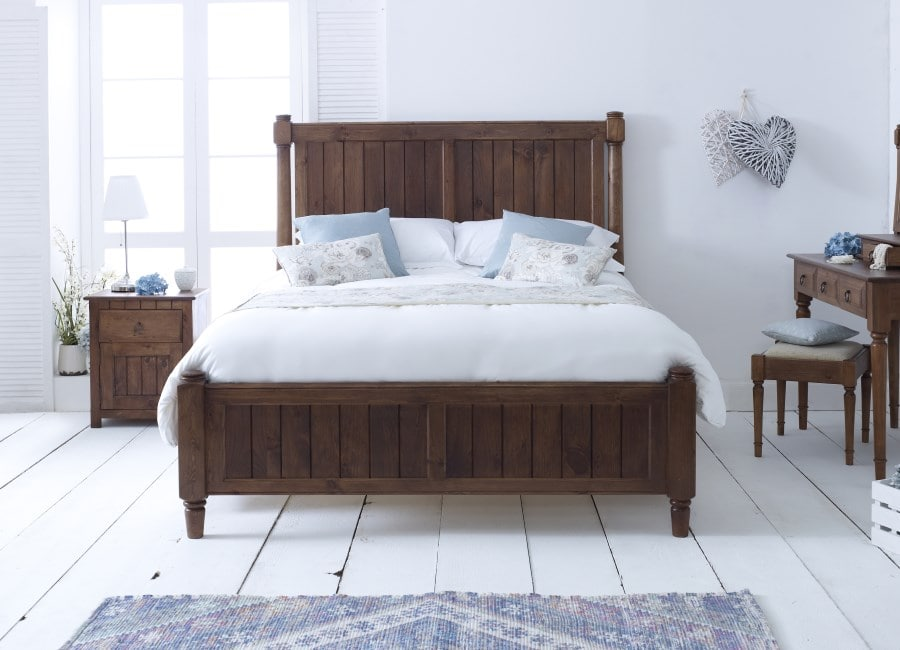 Modern furniture shaker style bed