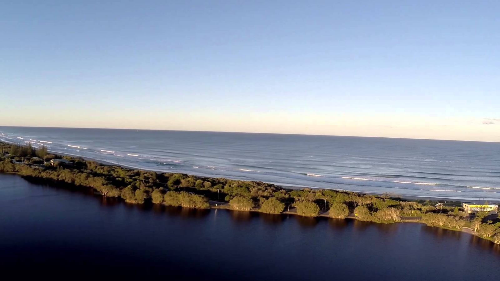 Lennox Head Lake Ainsworth, East Coast Tours