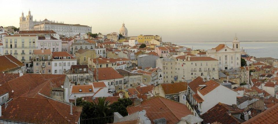 أقدم أحياء لشبونة