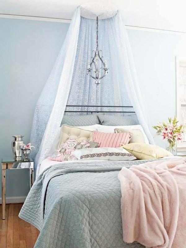 feminine-baldachin-bed.jpg