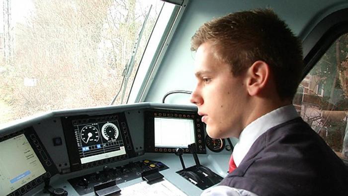 Du học nghề đường sắt tại Đức 2021, học viên có thể lái tàu chuyên dụng