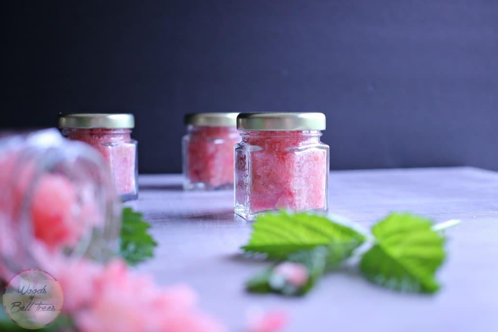 Beauty-diy-gift-honey-lip-natural-Oil-olive-raspberry-recipe-scrub-sugar-58-1024x683.jpg