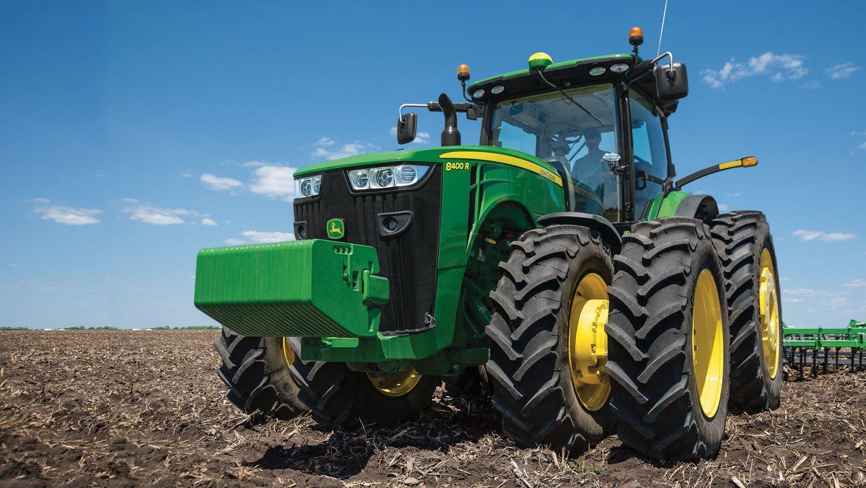 https://www.deere.com/assets/images/region-4/products/tractors/row-crop-tractors/8r-8rt-row-crop-tractors/8400r/8400r_r4g014751_large_ee6023b68e6de55eabbf2bfcdd74513676901838.jpg