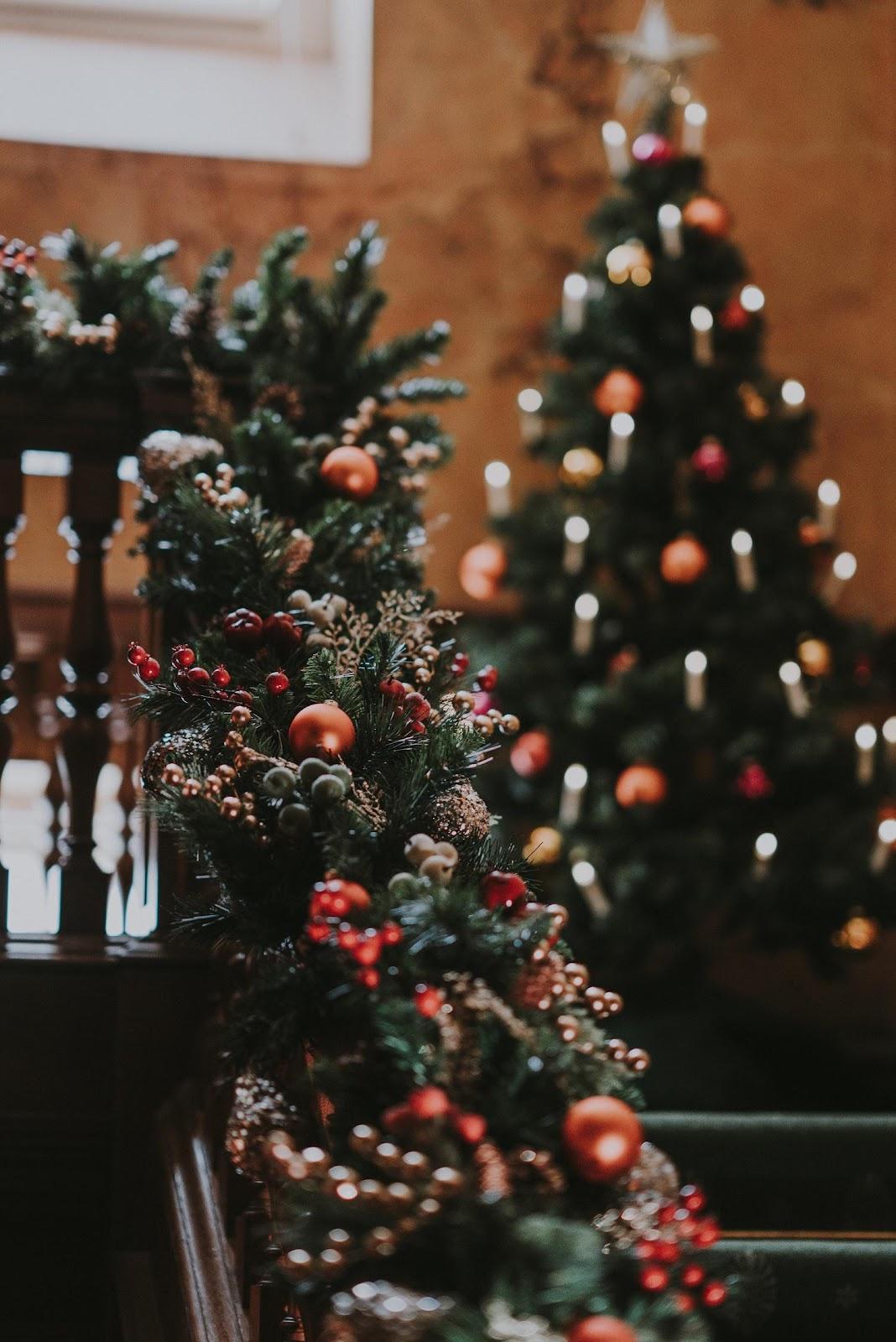 DIY Christmas Decorations - Garland