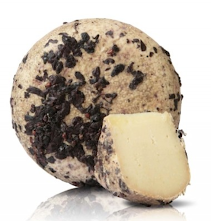 After the being curd for 3 months, this pecorino is cured inside terracotta jars and wrapped with the pomace of Vino Nobile di Montepulciano for 60 days.