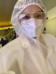 Trang phục không thể thiếu trong mùa dịch - quần áo y tế dùng 1 lần